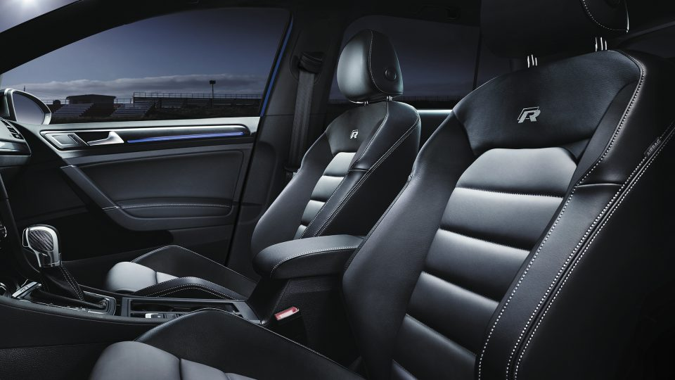 2018 Golf R leather seating